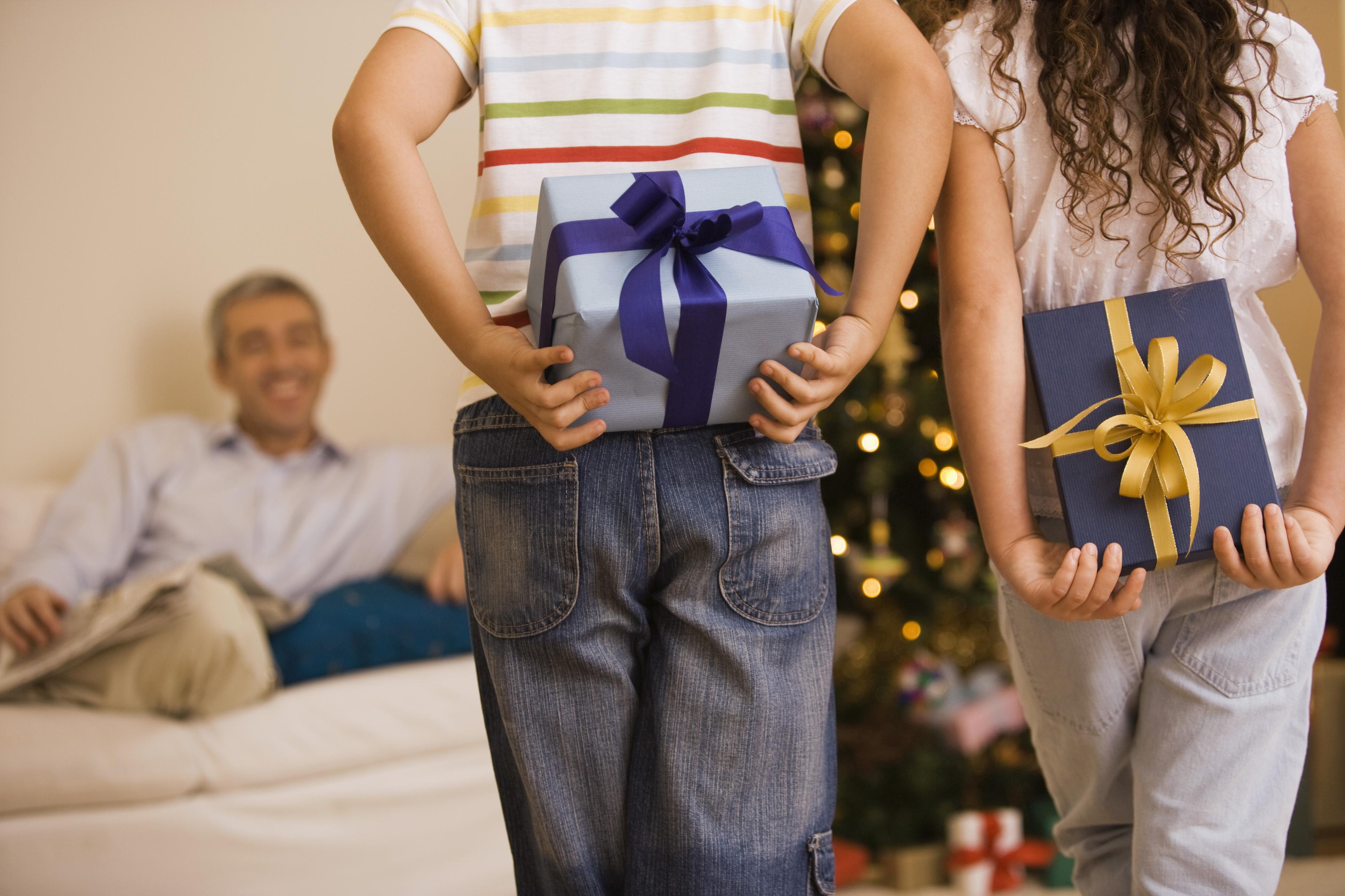 Что можно подарить дедушке на День 3